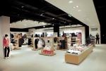 Изпълнение на индивидуални заявки за обзавеждане и оборудване на магазини за дрехи