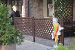 изработка на дървени огради за механи и кръчми по поръчка