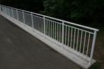 изграждане на парапет метален за мостове