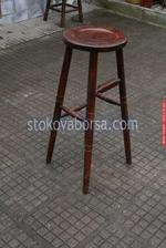 изработка на дървени столове за механи и кръчми