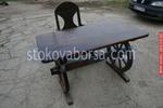 битови маси с един дървен стол за заведения
