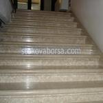 rivestimento con scala in marmo su misura