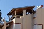 Изработка на дървен навес за тераса по поръчка