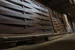 дървени огради от чам с безцветен лак