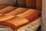 Ръчно вързани килими Габе в бежево-кафявата, оранжевата, червената и зелената гама